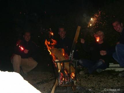 Fikkie stoken na het zware klussen (29-11-2003)