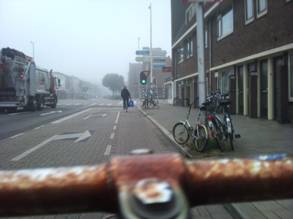 In de mist naar het station (2011-07-28 @ 07:32)