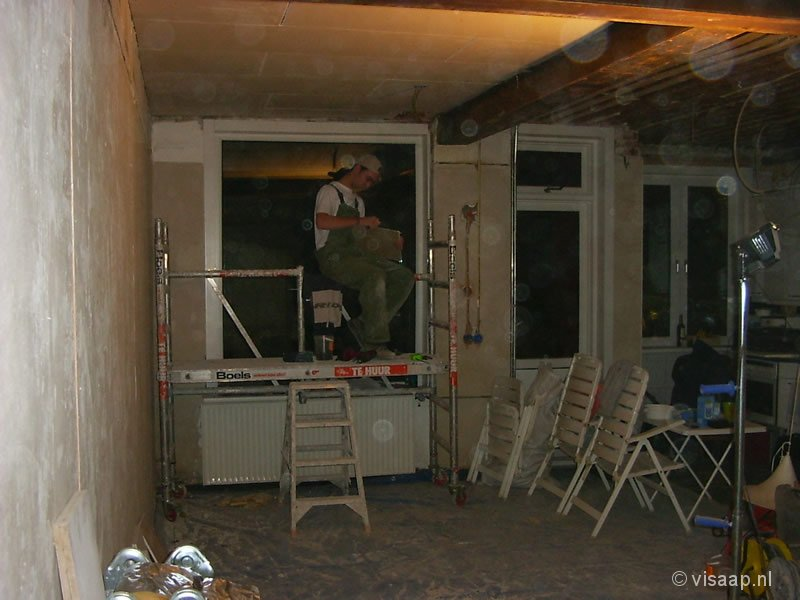 De woonkamer aan de achterkant (30-11-2003)