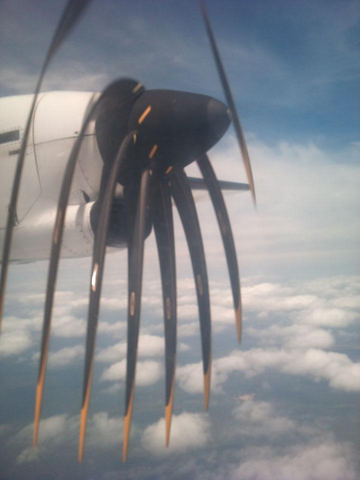 Het vliegtuig heeft moeite met de warmte @ 08-06-2012